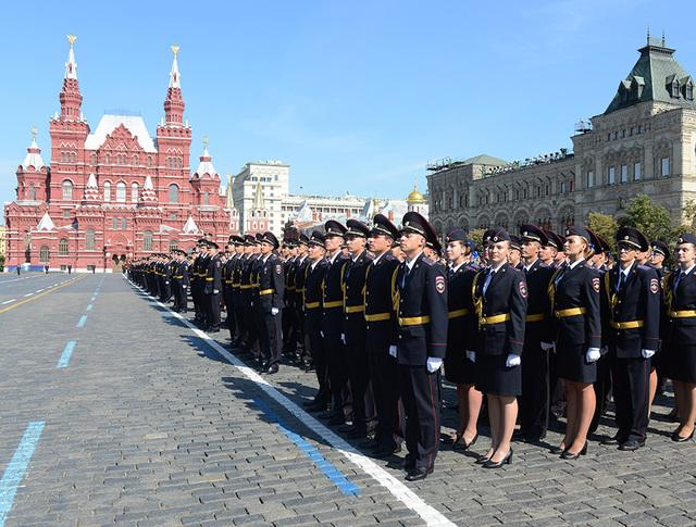 Выпускники Университета МВД России на Красной площади
