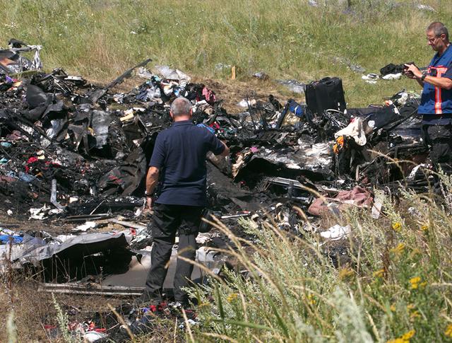 На месте крушения Boeing 777 в Донецкой области