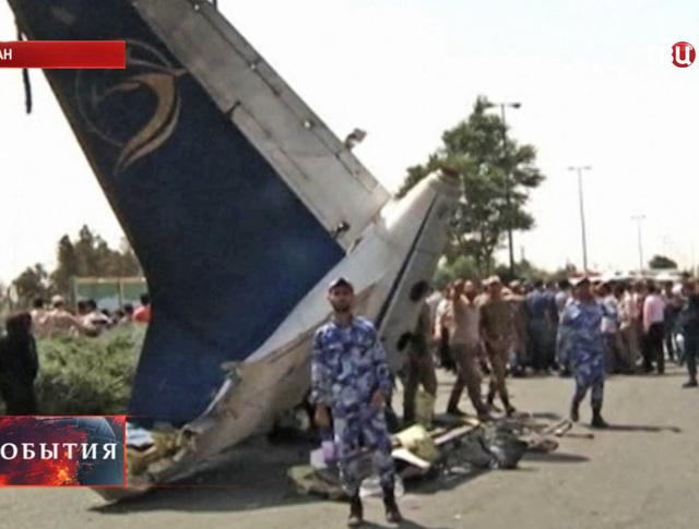 Место крушения самолета в Иране