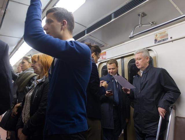Сергей Собянин и Максим Ликсутов в метро