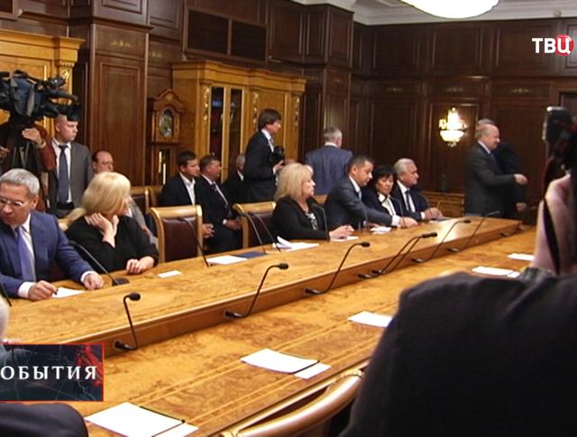 Депутаты Верховной Рады на пресс-конференции в Москве