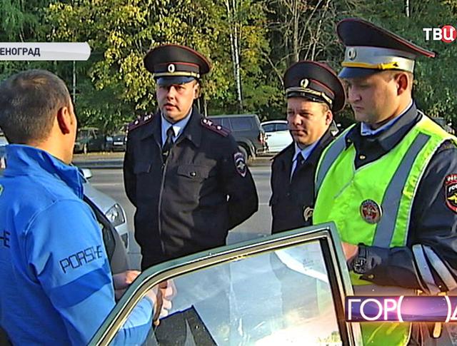 Нелегальный таксист и инспекторы ДПС