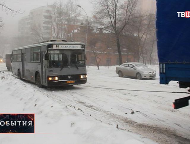 Последствия сильного снегопада в Хабаровске
