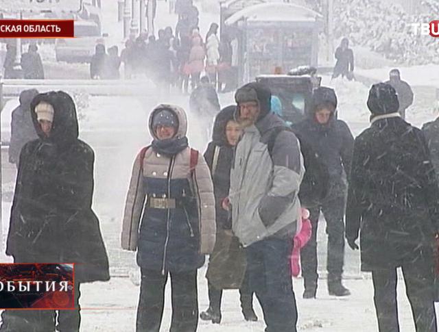 Сильный снегопад в Амурской области