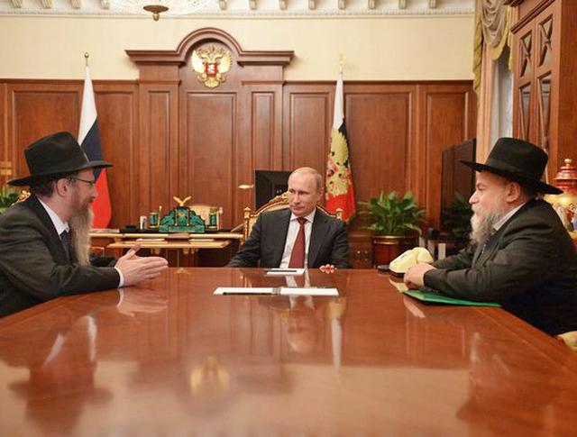 Президент России Владимир Путин встретился с главным раввином России Берлом Лазаром и президентом Федерации еврейских общин Александром Бородой