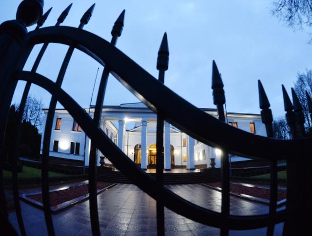 Правительственная резиденция на Войсковом переулке в Минске