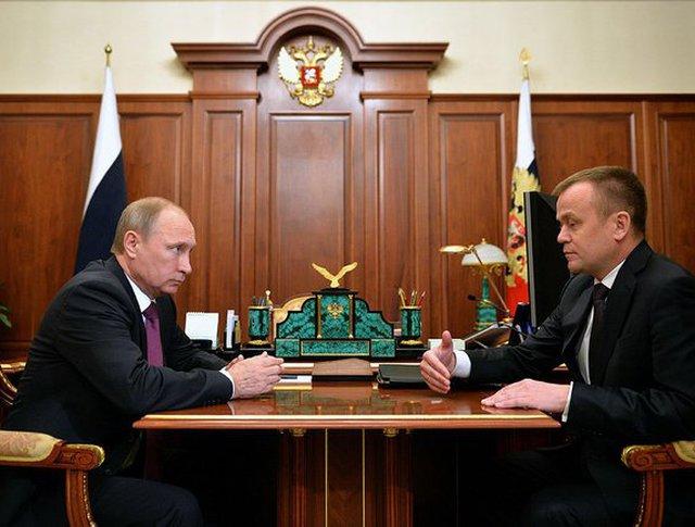 Президент РФ Владимир Путин и губернатор Иркутской области Сергей Ерощенко