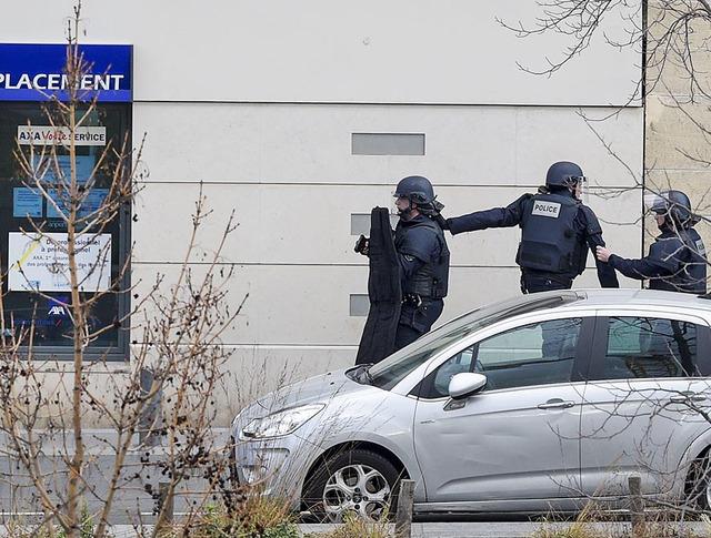 Полиция Франции проводит спецоперацию