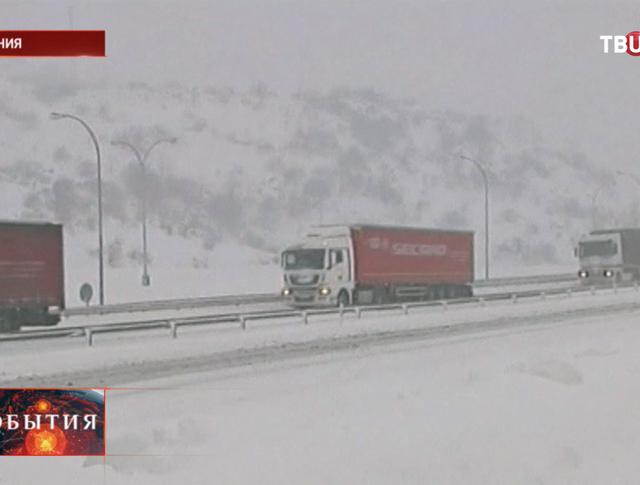 Север Испании завалило снегом