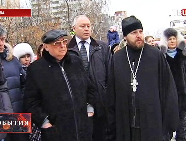 Владимир Ресин во время инспекции строительства храма