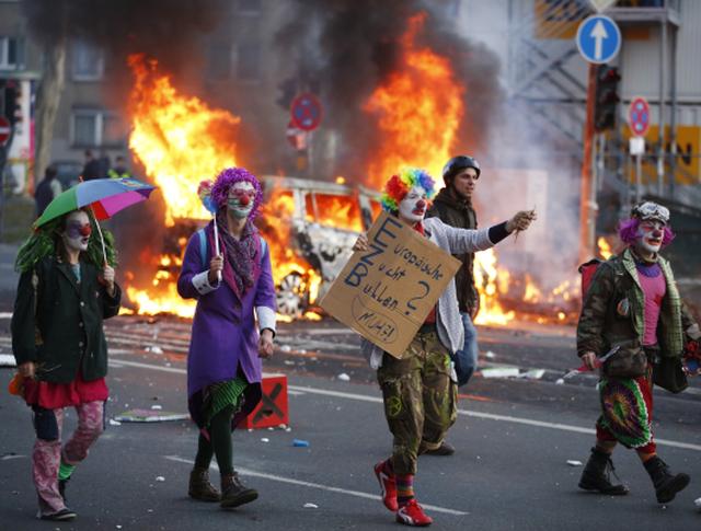 Участники акций протеста