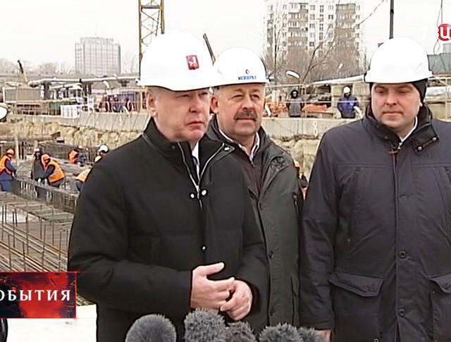 Мэр Москвы Сергей Собянин во время инспекции строительства станции метро