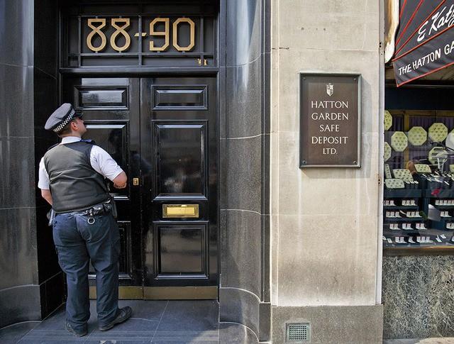 Ограбление в Лондонском ювелирном квартале Хаттон Гарден
