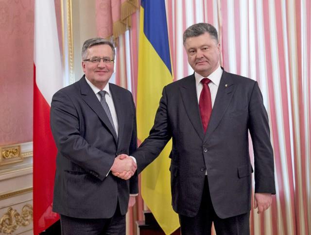 Президент Польши Бронислав Коморовскии и президент Украины Пётр Порошенко