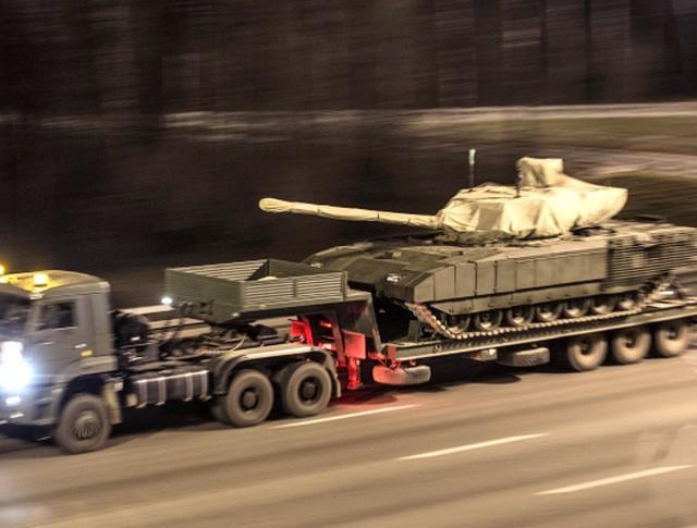Перемещение военной техники из Алабино на Ходынское поле