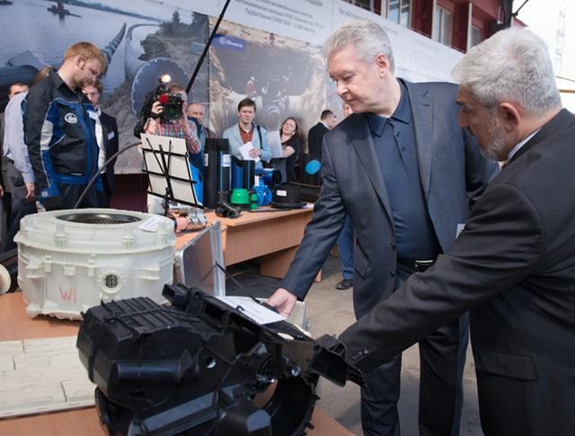 Мэр Москвы Сергей Собянин на заводе «Газтрубпласт»