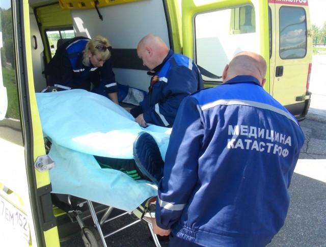 Врачи и пострадавший в Нижегородской области
