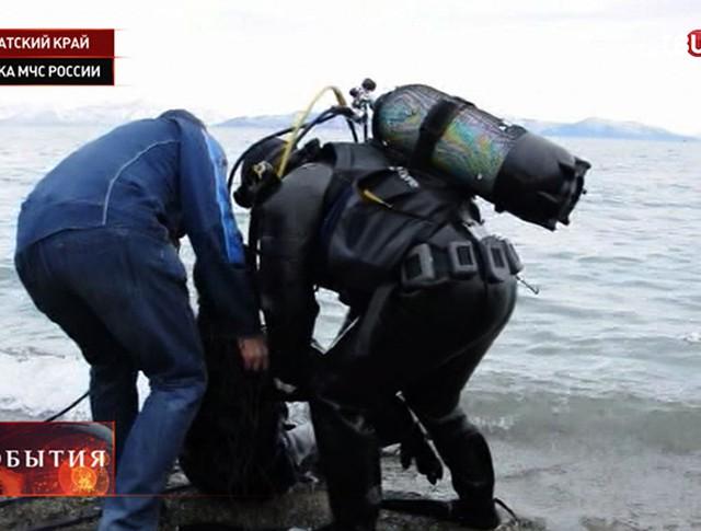 Водолазы-спасатели сдают экзамен