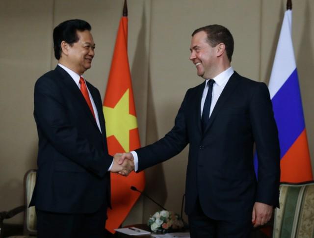 Председатель правительства РФ Дмитрий Медведев во время встречи с премьер-министром Вьетнама Нгуен Тан Зунгом