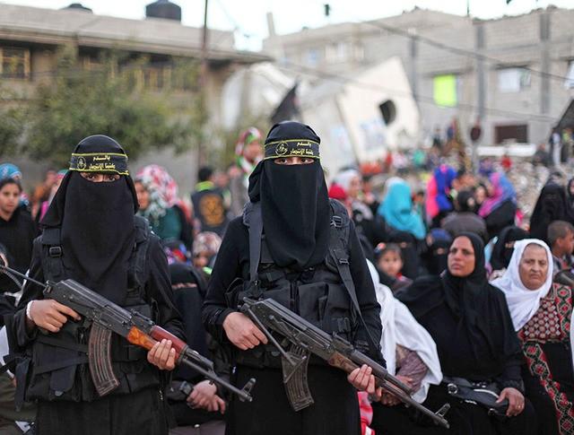 Женский батальон исламских боевиков
