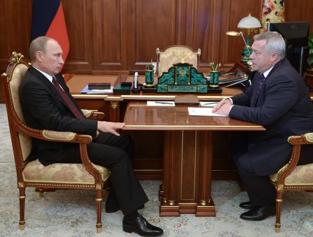Президент России Владимир Путин и врио губернатора Ростовской области Василий Голубев