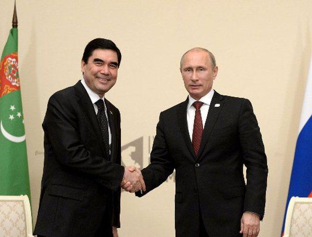 Президент России Владимир Путин и глава Туркменистана Гурбангулы Бердымухамедов