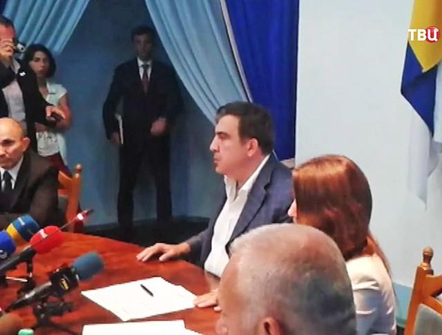 Михаил Саакашвили проводит заседание