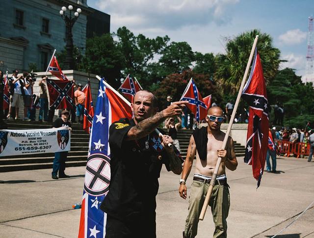 Акция Ку-клукс-клана в поддержку флага Конфедирации