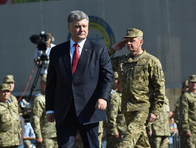 Порошенко на Марше независимости в Киеве