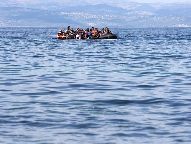 Лодка с мигрантами