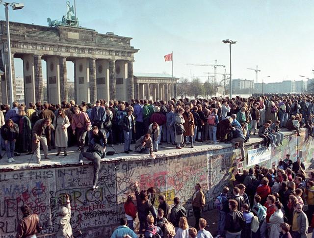Объединение Германии. Люди на Берлинской стене
