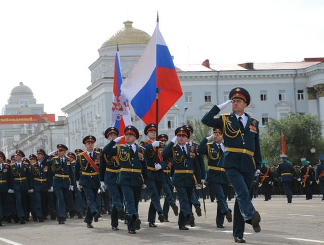 Военный парад войск Читинского гарнизона на площади имени Ленина в Чите в честь 70-летия окончания Второй Мировой войны