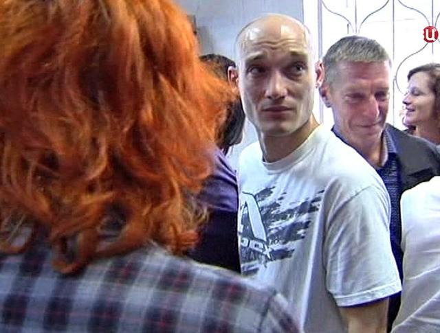 Парашютист-бейсджампер Александр Погребов, обвиняемый в вандализме и хулиганстве по делу о покраске звезды на шпиле высотного здания на Котельнической набережной