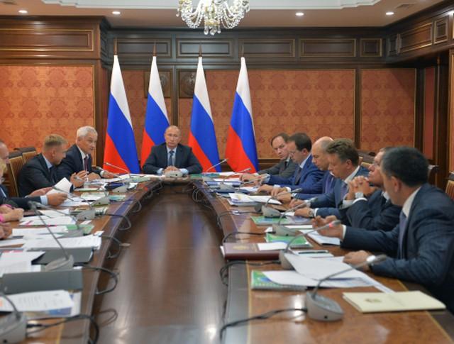 Президент России Владимир Путин проводит в Магасе совещание по вопросам социально-экономического развития Ингушетии
