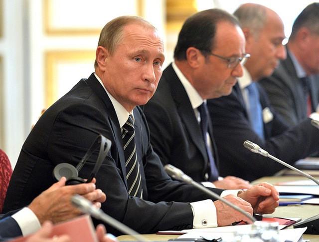 Владимир Путин на переговорах в «нормандском формате»