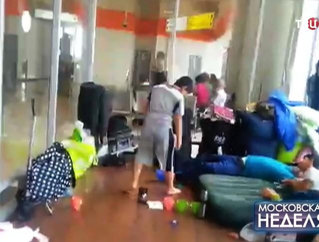 """Беженцы из Ирака живут в транзитной зоне аэропорта """"Шереметьево"""""""