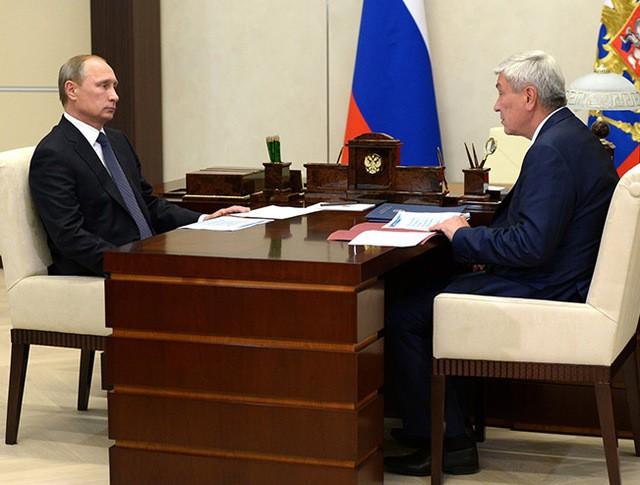 Глава Росфинмониторинга Юрий Чиханчин и Владимир Путин