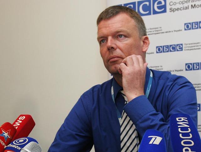 Заместитель главы миссии ОБСЕ на Украине Александр Хуг во время пресс-конференции