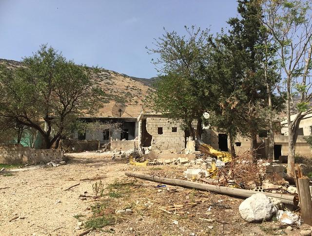 В деревне Саф-Сафа (провинция Хама), освобожденной сирийской армией