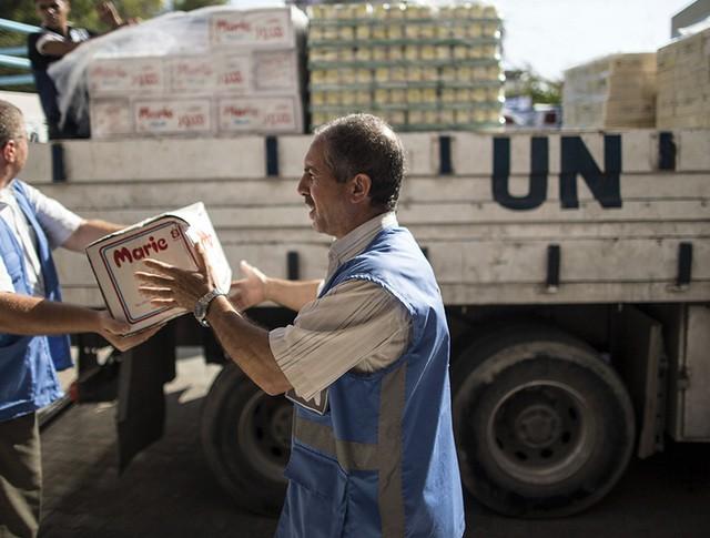 Гумконвой ООН впервые за три месяца привез в Донецк продукты питания
