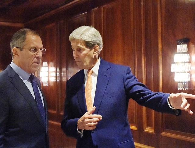 Министр иностранных дел России Сергей Лавров и госсекретарь США Джон Керри во время встречи в Вене