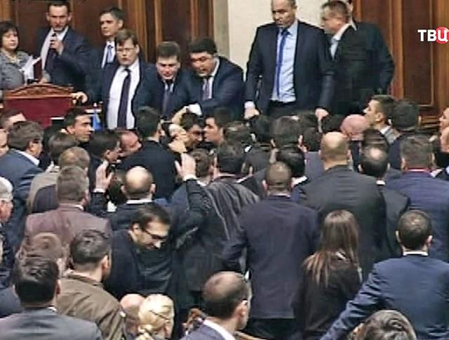 Потасовка в Верховной Раде Украины