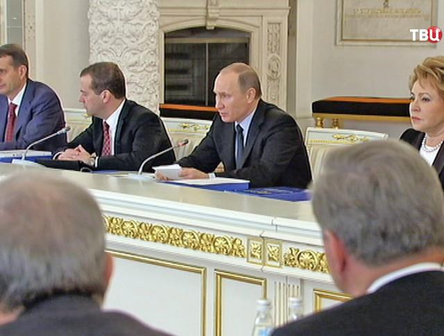 Президент России Владимир Путин на заседании Госсовета