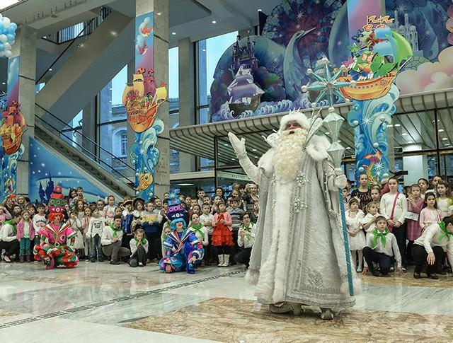 Дед Мороз во время новогоднего представления в Кремле