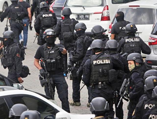 Спецоперация полиции в Индонезии