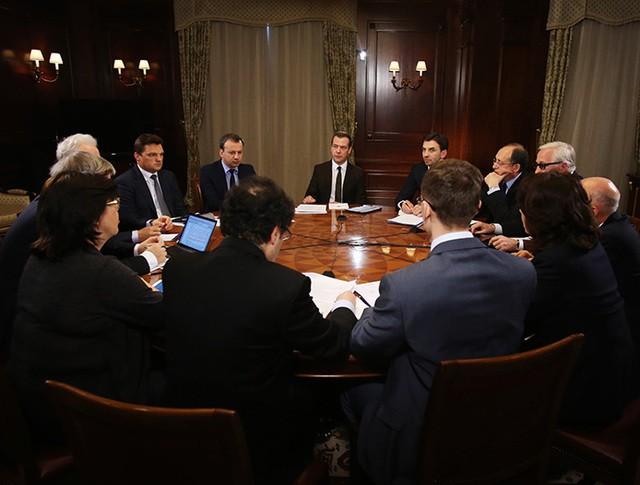 Дмитрий Медведев проводит встречу с членами Экспертного совета при правительстве России