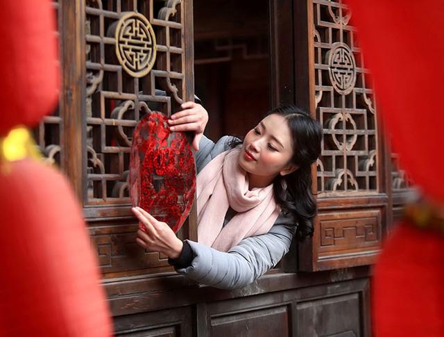 Подготовка к празднованию Нового года в Китае