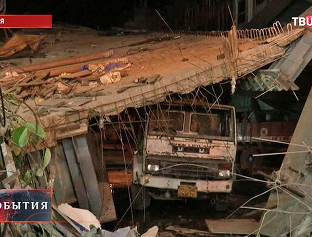 Обрушение автострады в Индии