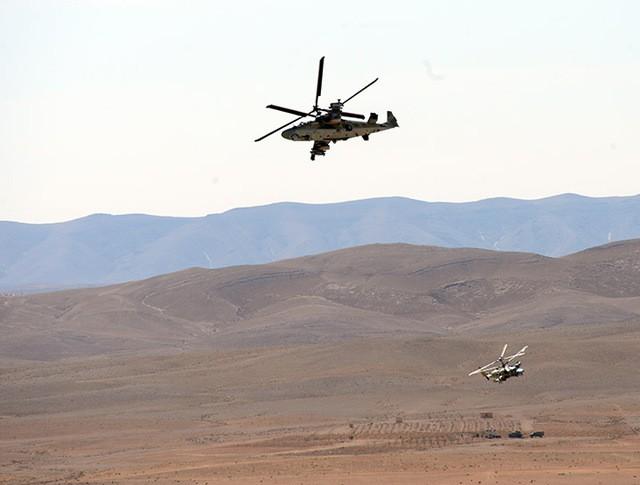 """Вертолет Ка-52 """"Аллигатор"""" во время боевой операции в Сирии"""