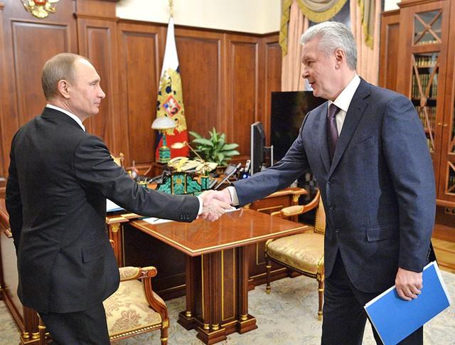Президент России Владимир Путин и мэр Москвы Сергей Собянин